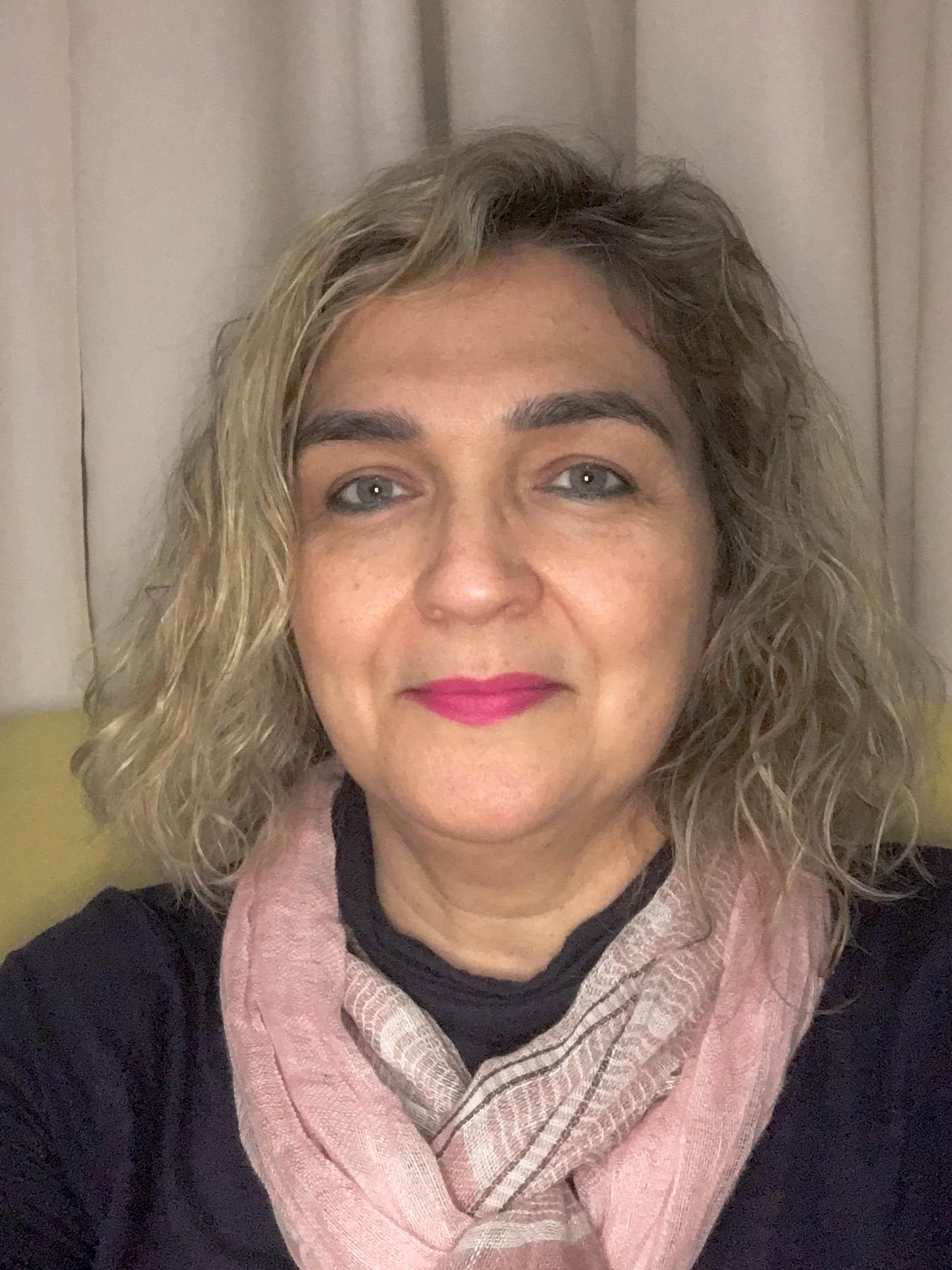 Emma Castro - COMUNICAÇÃO COORDENAÇÃO